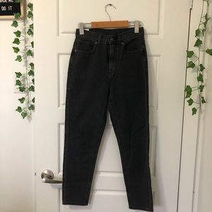 American Eagle || Mom Jeans